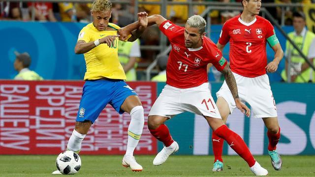 Recordhouder Behrami trots op 'geweldige mentaliteit' Zwitsers tegen Brazilië