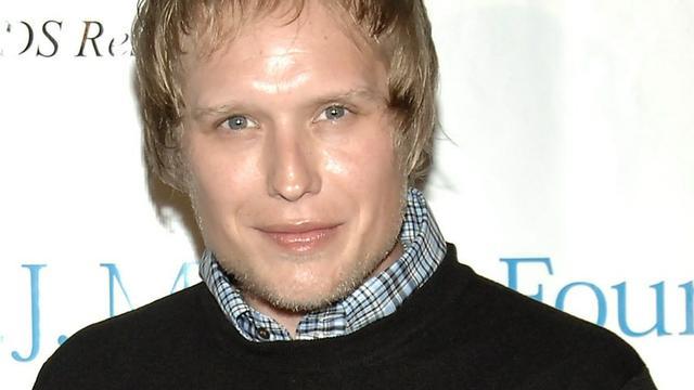 Arts aangehouden vanwege dood 3 Doors Down-gitarist Matt Roberts
