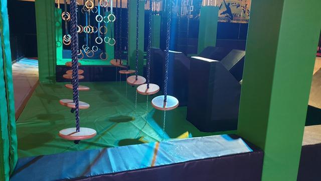 Trampolinepark van ruim 1.000 vierkante meter geopend in Mierlo