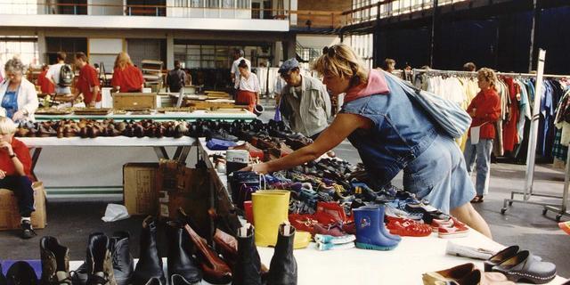 Vlooienmarkt IJ-Hallen gehalveerd door onveilig dak