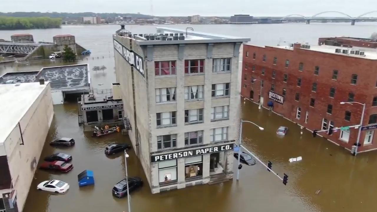 Drone filmt hoe Mississippi Amerikaanse stad Davenport blank zet