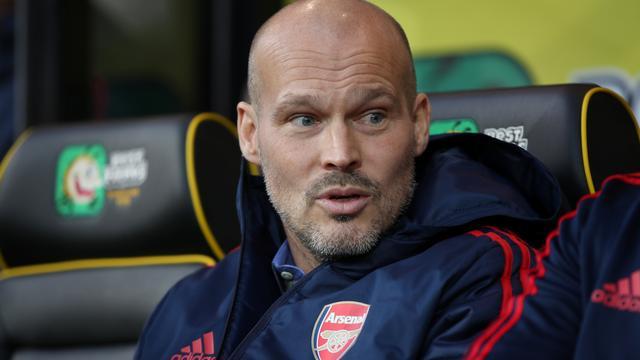 Interim-trainer Ljungberg wil zo snel mogelijk met mentor Wenger praten