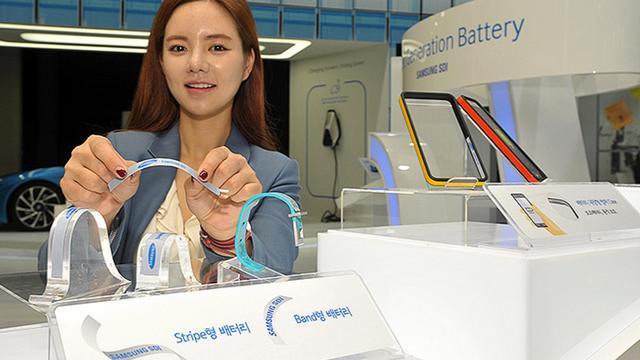 LG en Samsung tonen accu's in vorm van horlogebandje