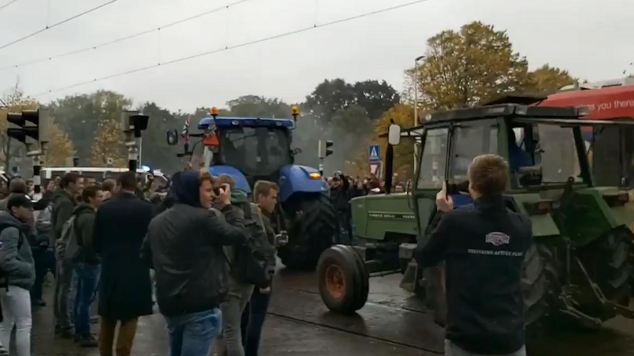 Trekkerinvasie leidt tot chaos in Den Haag