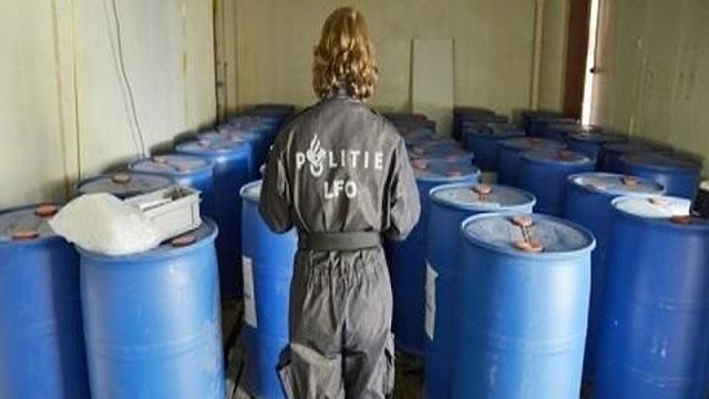 Politie vindt drugs en benodigdheden voor drugslab in Bergen op Zoom