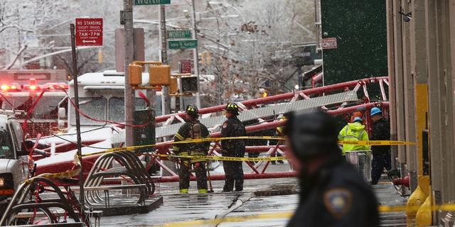 Dode en vijftien gewonden door omgevallen hijskraan in New York
