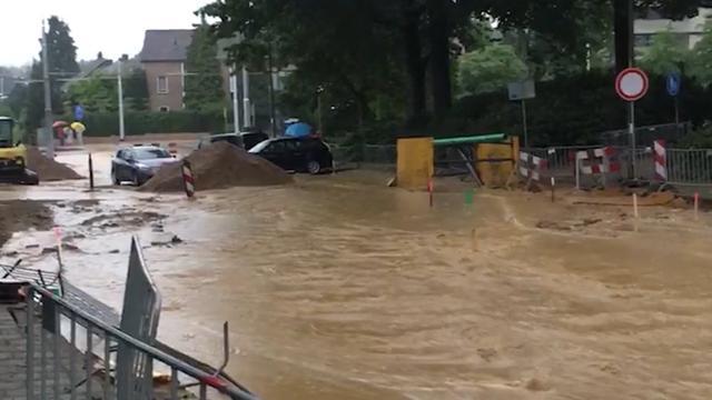 Modderstromen tijdens wegwerkzaamheden in Velp Gelderland