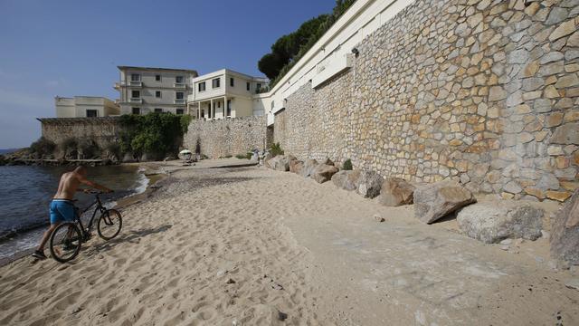 Petitie tegen afsluiting strand Franse Rivièra voor Saoedische koning