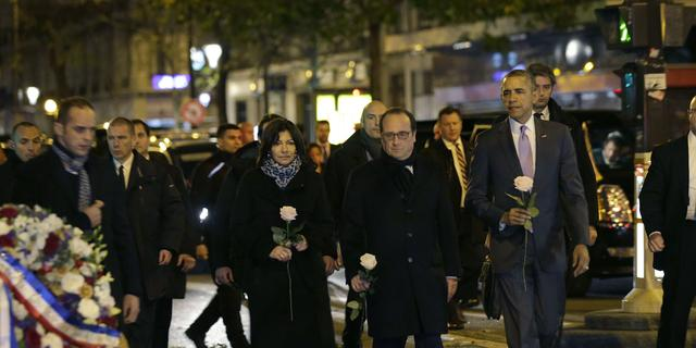 Obama en Hollande bezoeken Bataclan