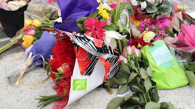 Manifestatie op Dam na aanslagen Nieuw-Zeeland trekt honderden mensen