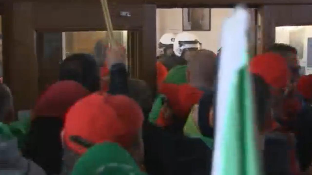 Betoging cipiers in Brussel loopt uit de hand