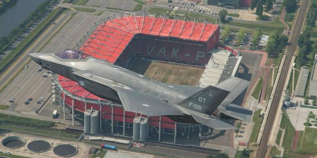 In beeld: de JSF gezien vanuit een F-16