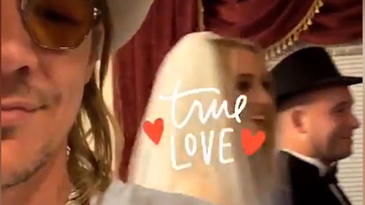 Diplo deelt beelden van huwelijk Turner en Jonas op Instagram