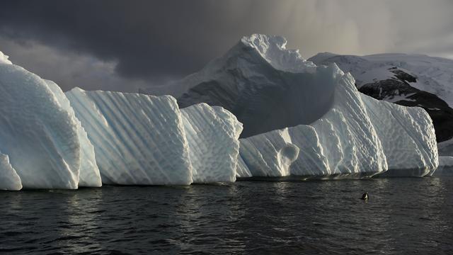 NUcheckt: Veroorzaakt een vulkaan het afbreken van ijsbergen Antarctica?