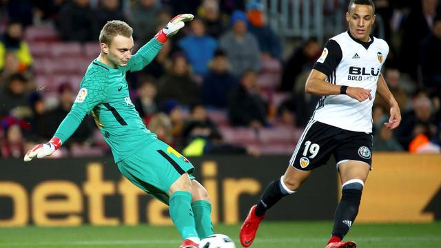 Cillessen wint met Barcelona in beker eerste duel met Valencia