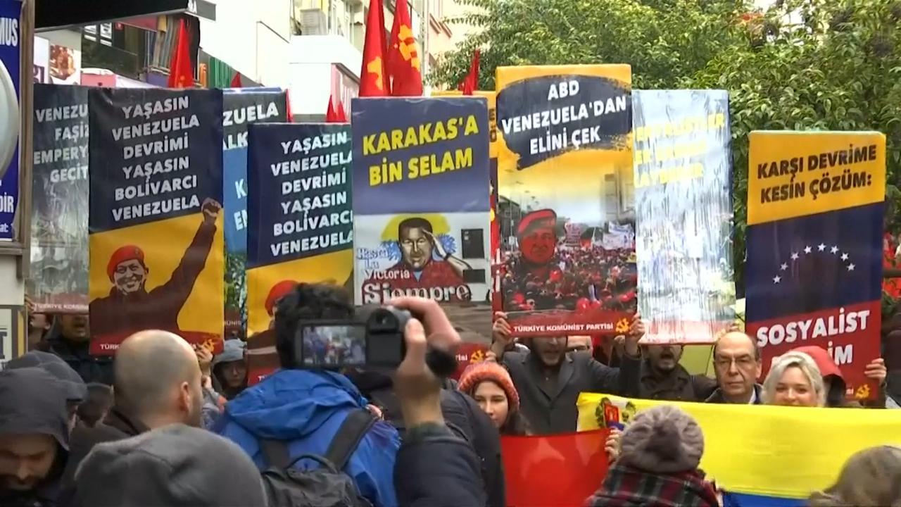 Istanboel toont solidariteit met Venezolaanse president Maduro