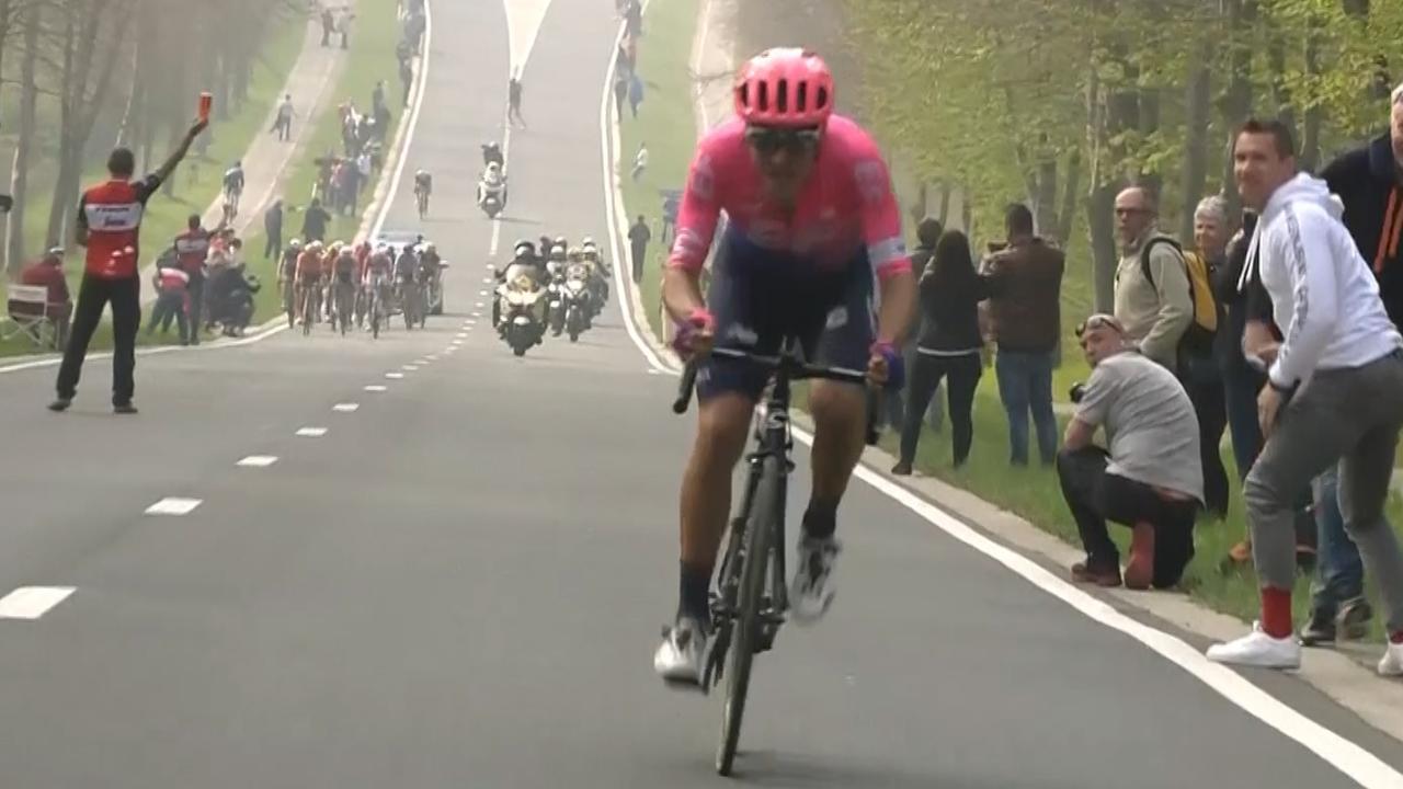 Bettiol zegeviert in Ronde van Vlaanderen