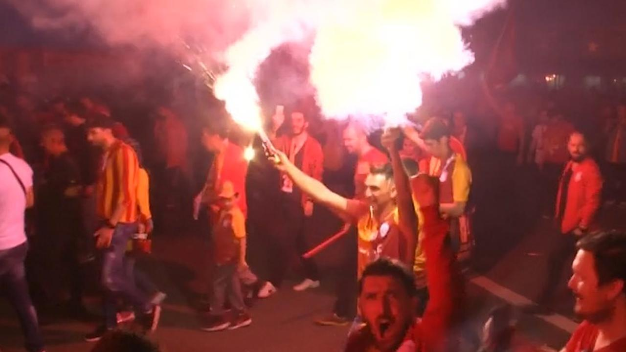 Galatasaray-fans vieren tweede Turkse landstitel op rij