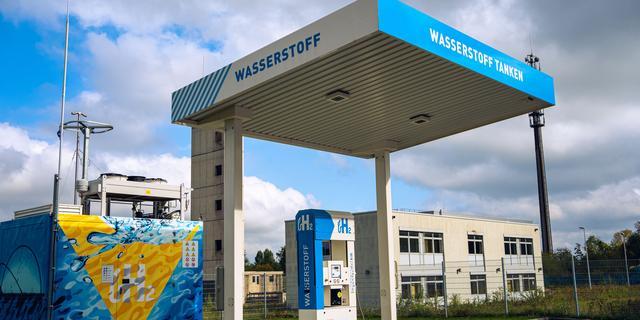 Kabinet en provincies investeren in vijftig waterstofbussen voor ov