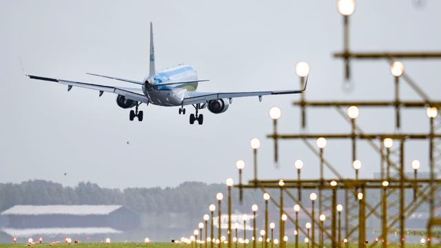 Tientallen retourvluchten vanaf Schiphol geannuleerd vanwege harde wind