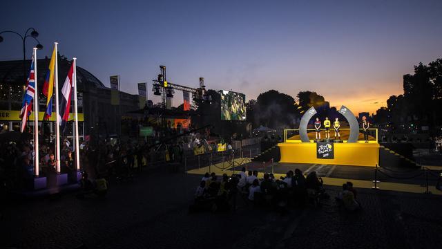 Bekijk de eindklassementen van de Tour met Kruijswijk op plek drie