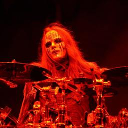Oprichter en oud-drummer van Slipknot Joey Jordison (46) overleden