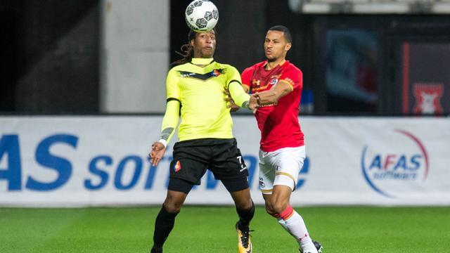 Jong AZ gelijk tegen Telstar bij debuut Van Rhijn