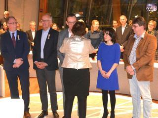 De lintjes werden opgespeld door burgemeester Liesbeth Spies