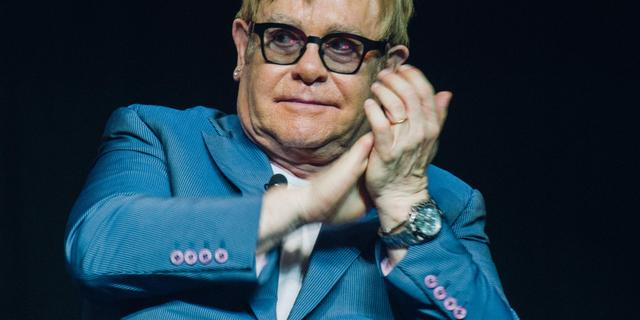 Elton John 'overweldigd' door alle beterschapswensen