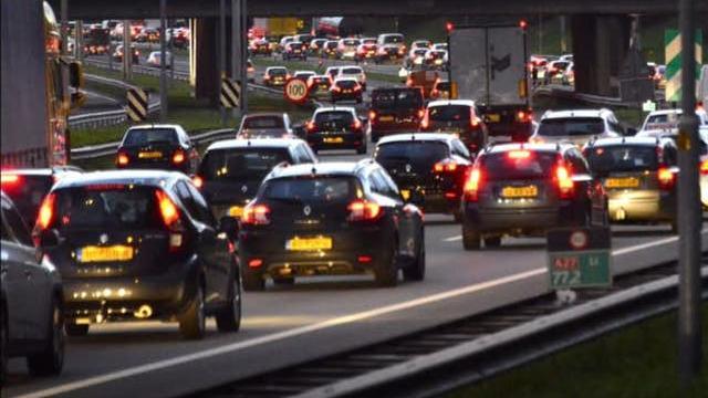 A27 bij Bavel tijdelijk afgesloten wegens eenzijdig verkeersongeval