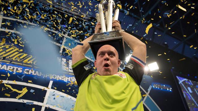 Oppermachtige Van Gerwen verovert derde wereldtitel darts