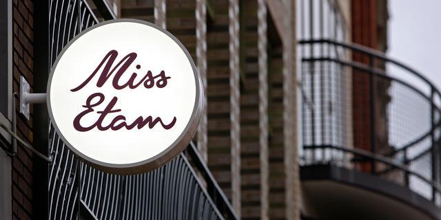 Driehonderd personeelsleden Miss Etam en Steps op straat door faillissement