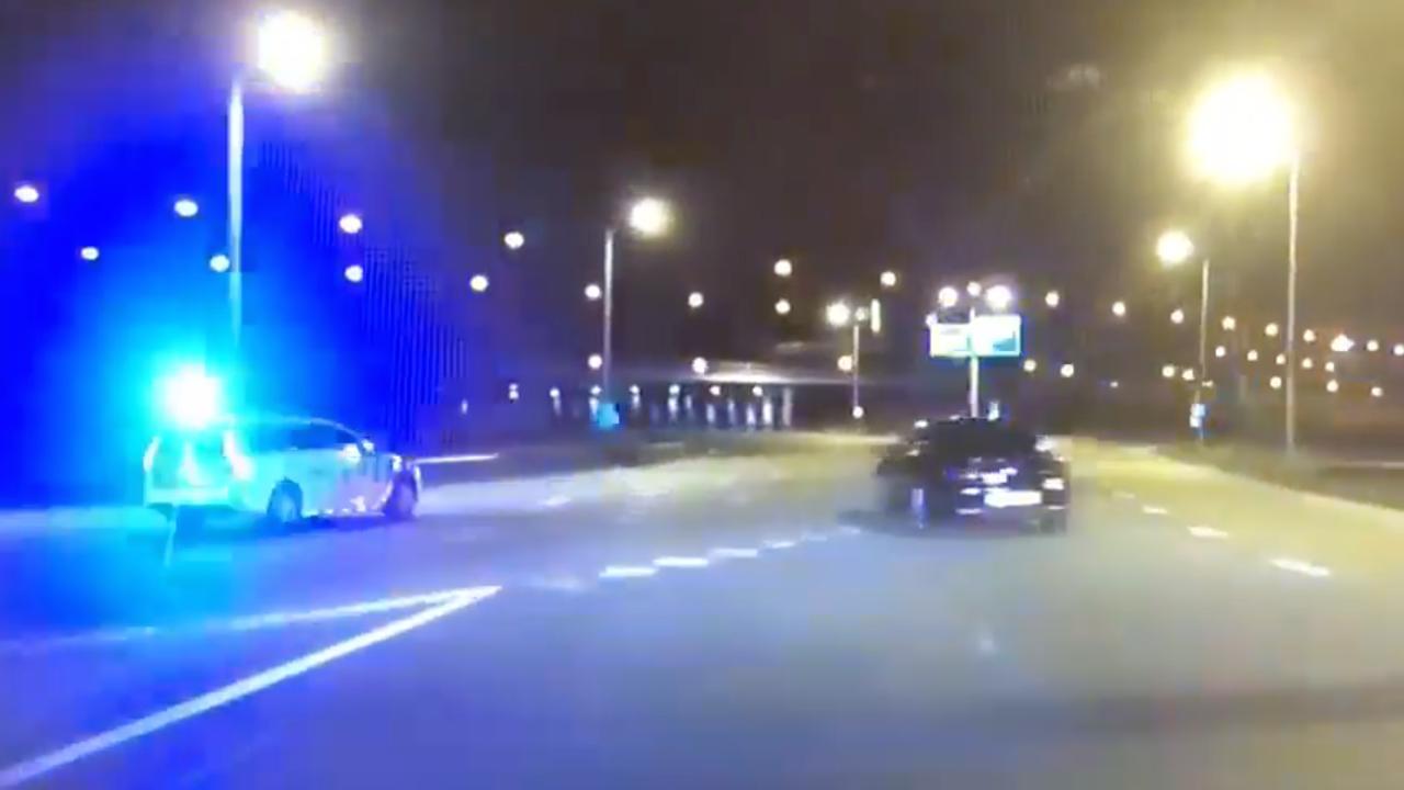 Politie deelt beelden van achtervolging op A2