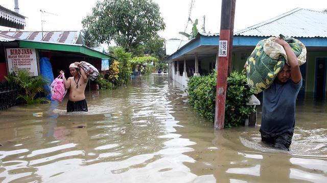 Zeker 29 doden en tientallen vermisten door overstromingen Indonesië