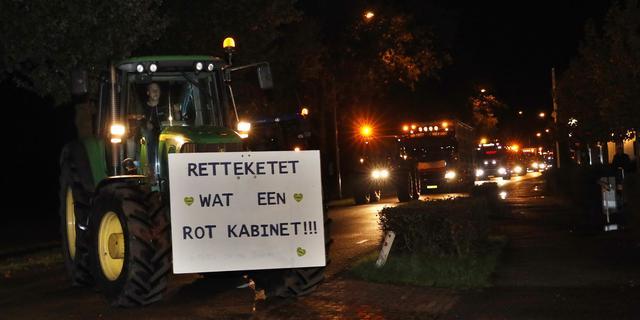 Boeren blokkeren snelwegen rond Utrecht, tractor raakt motoragent op A7