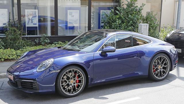 Nieuwe Porsche 911 zonder camouflage gefotografeerd