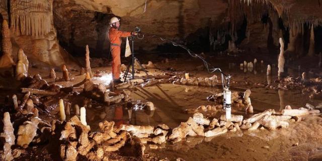 'Neanderthalers bouwden cirkels van druipstenen'