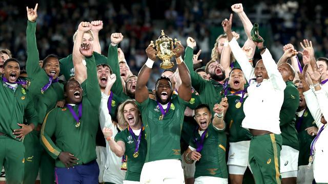 Zuid-Afrikaanse rugbyers overklassen Engeland en pakken derde wereldtitel