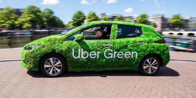 Taxiplatform Uber biedt voortaan ook ritten aan met elektrische auto