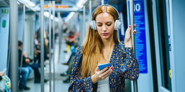 Facebook kondigt alternatief voor Clubhouse aan: Live Audio Rooms