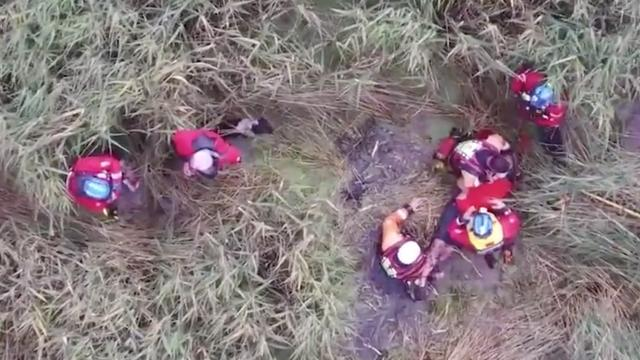 Politiedrone vindt vermiste 75-jarige Brit in moeras