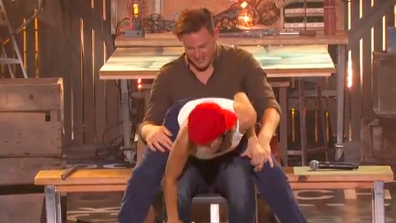 Vrouw Channing Tatum doet Magic Mike lapdance