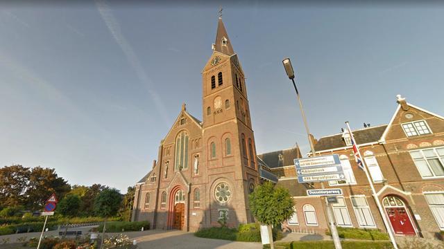 Zeer grote brand in kerk in Limmen onder controle