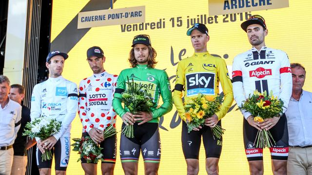 Sobere huldiging in Tour vanwege aanslag in Nice