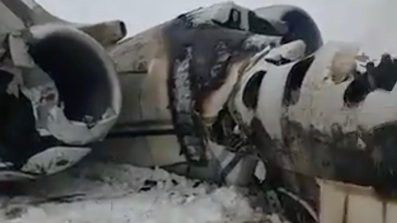 Eerste beelden van neergestort vliegtuig in Afghanistan