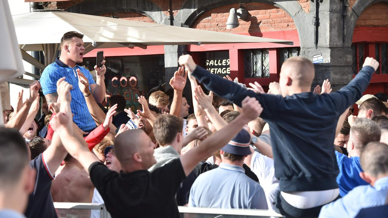 Hooligans slaags met politie in Lille tijdens EK 2016