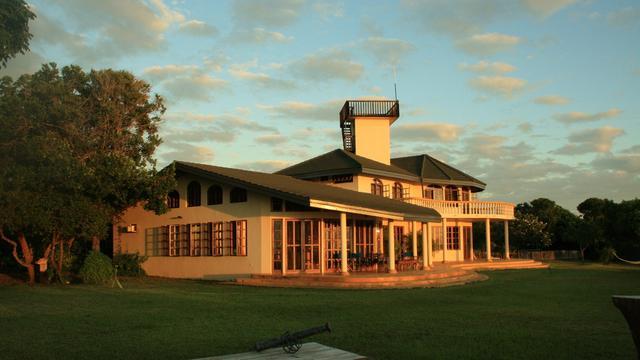 Een villa in Tanzania waar Bob Smits bivakkeerde.