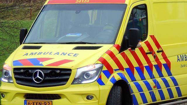 Auto slaat over de kop bij Koningsweg Utrecht