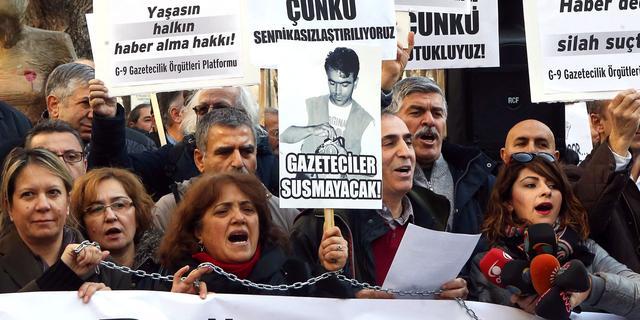 Vervolging Turkse journalisten gaat door