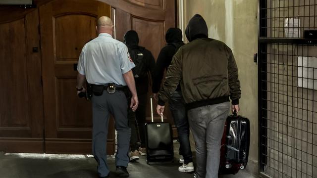 Vriend mishandelde ober Praag naar Nederland voor 'eigen onderzoek'
